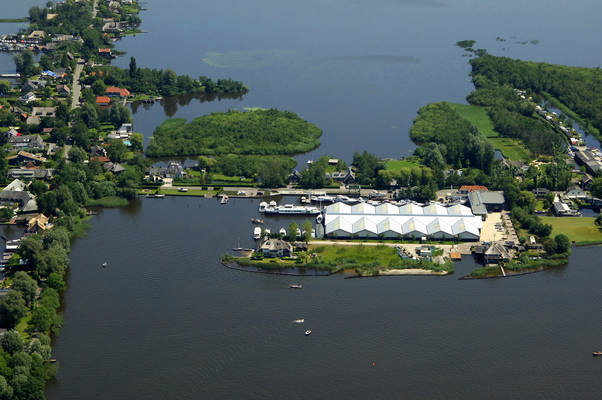 Makelaardij De Valk Yacht Harbour