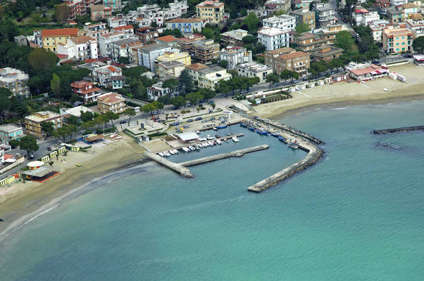 Scauri Marina