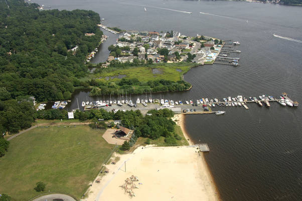 Laurelton Yacht Club