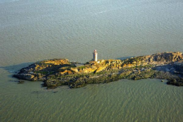 Le Pilier Lighthouse