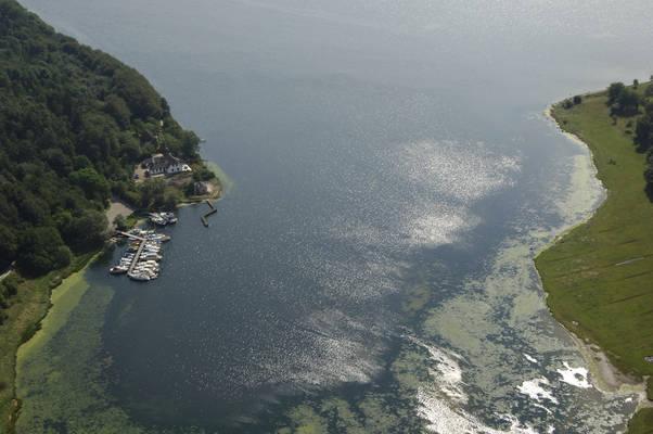 Houtved Inlet