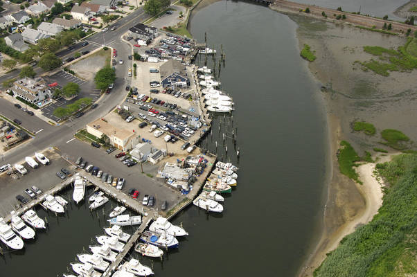 Canyon River Club Marina