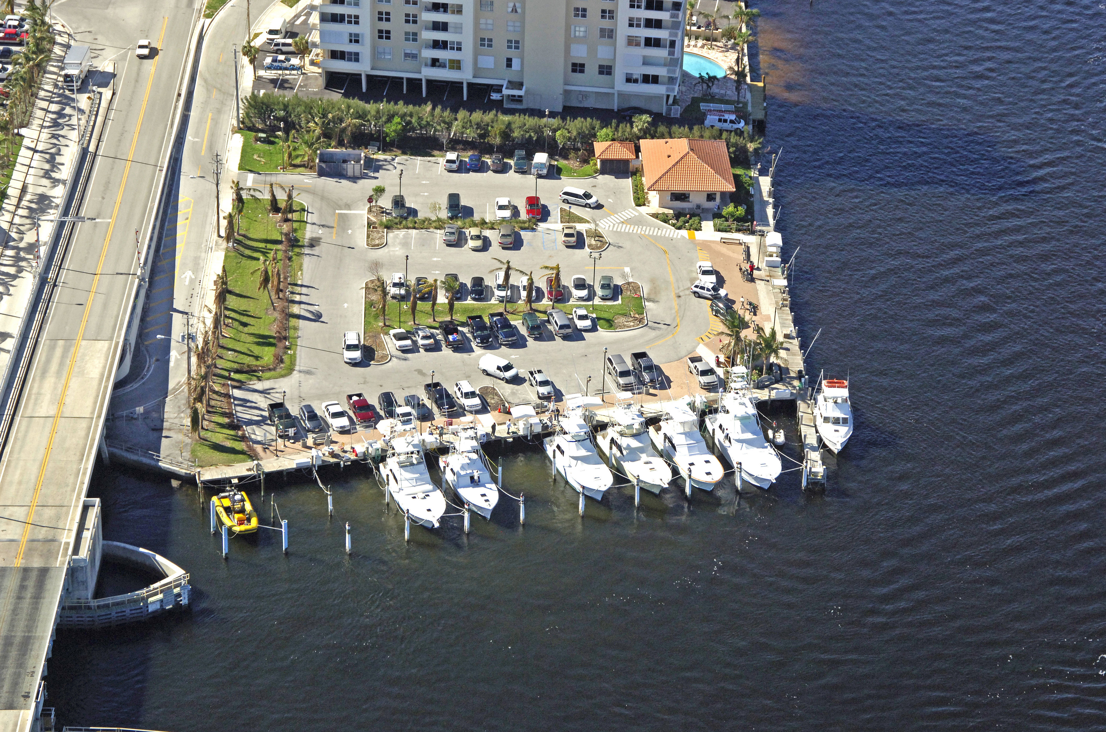 Hillsboro inlet marina private in pompano beach fl united states hillsboro inlet marina private geenschuldenfo Images