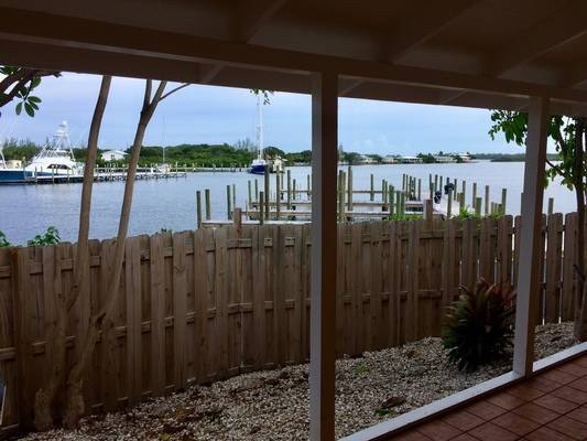 Fiddler's Green Cottages and Marina