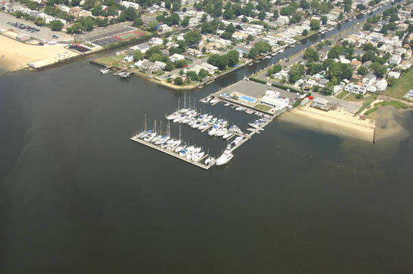 Woodmere Bay Yacht Club