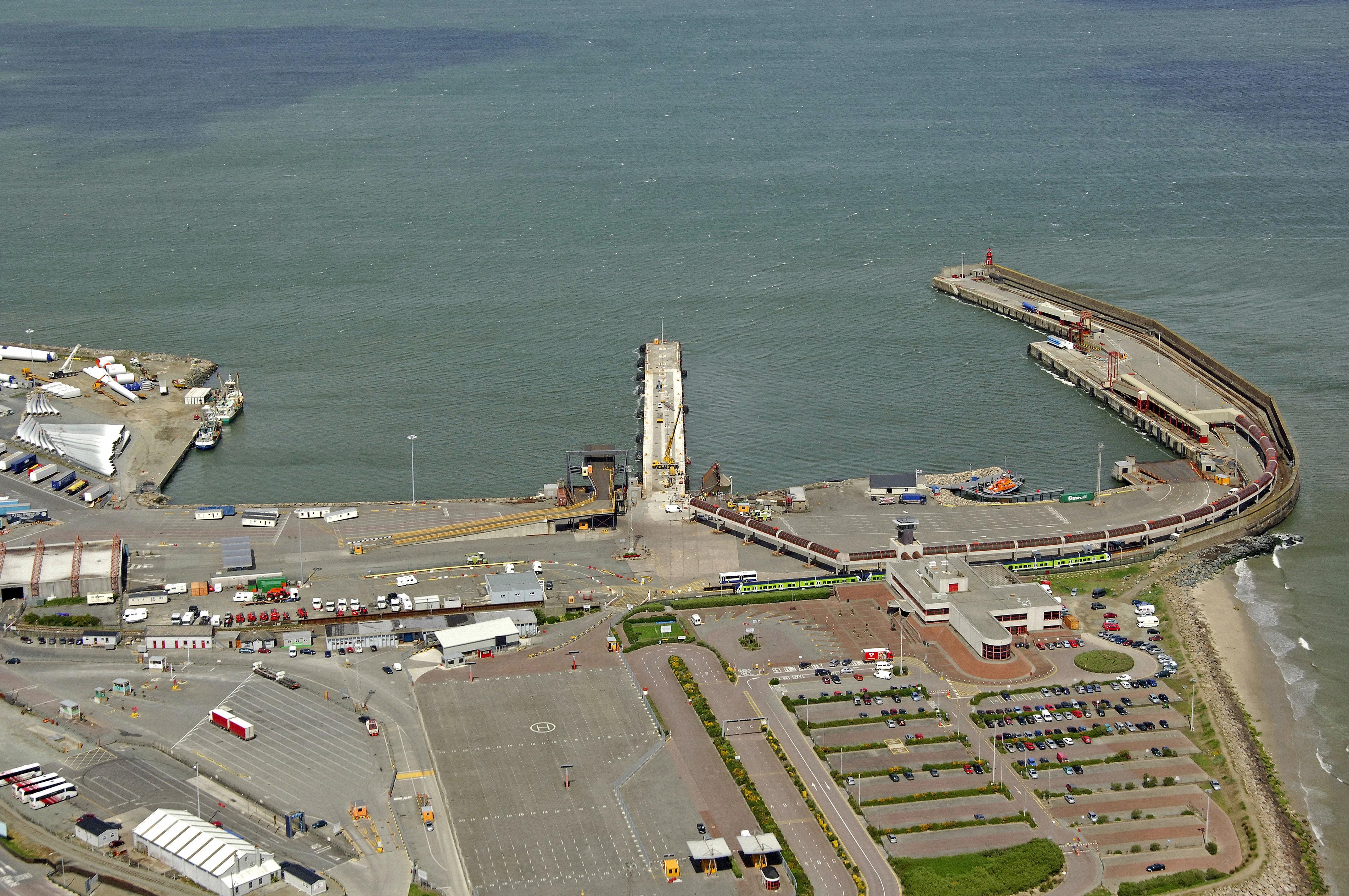 Rosslare ferry harbour in rosslare harbour ireland - Rosslare ferry port arrivals ...