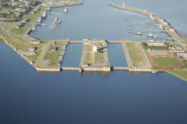 Seeschleuse Navy Plant
