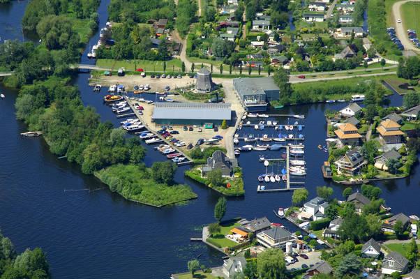 De Plasmolen Yacht Harbour