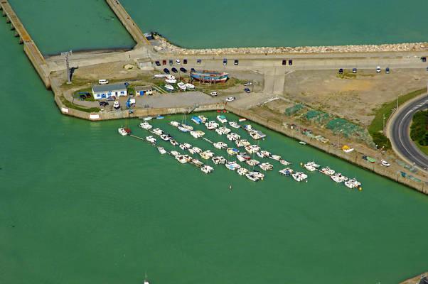 Avant Port Belot Yacht Club