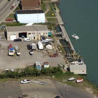 Mitzie's Dockside Service