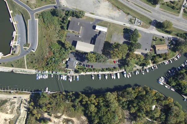 Marquette Yacht Club