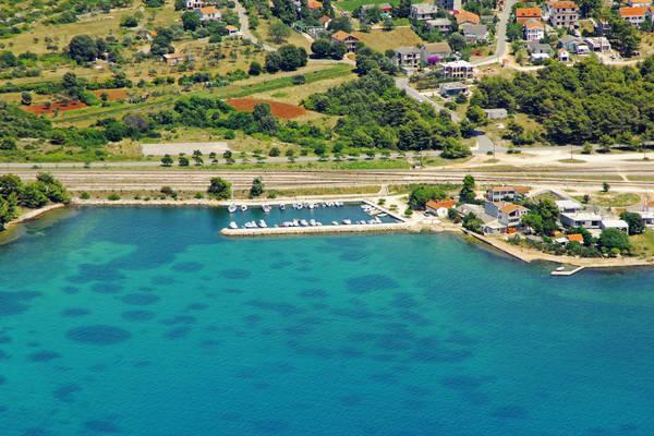 Lonici Harbour