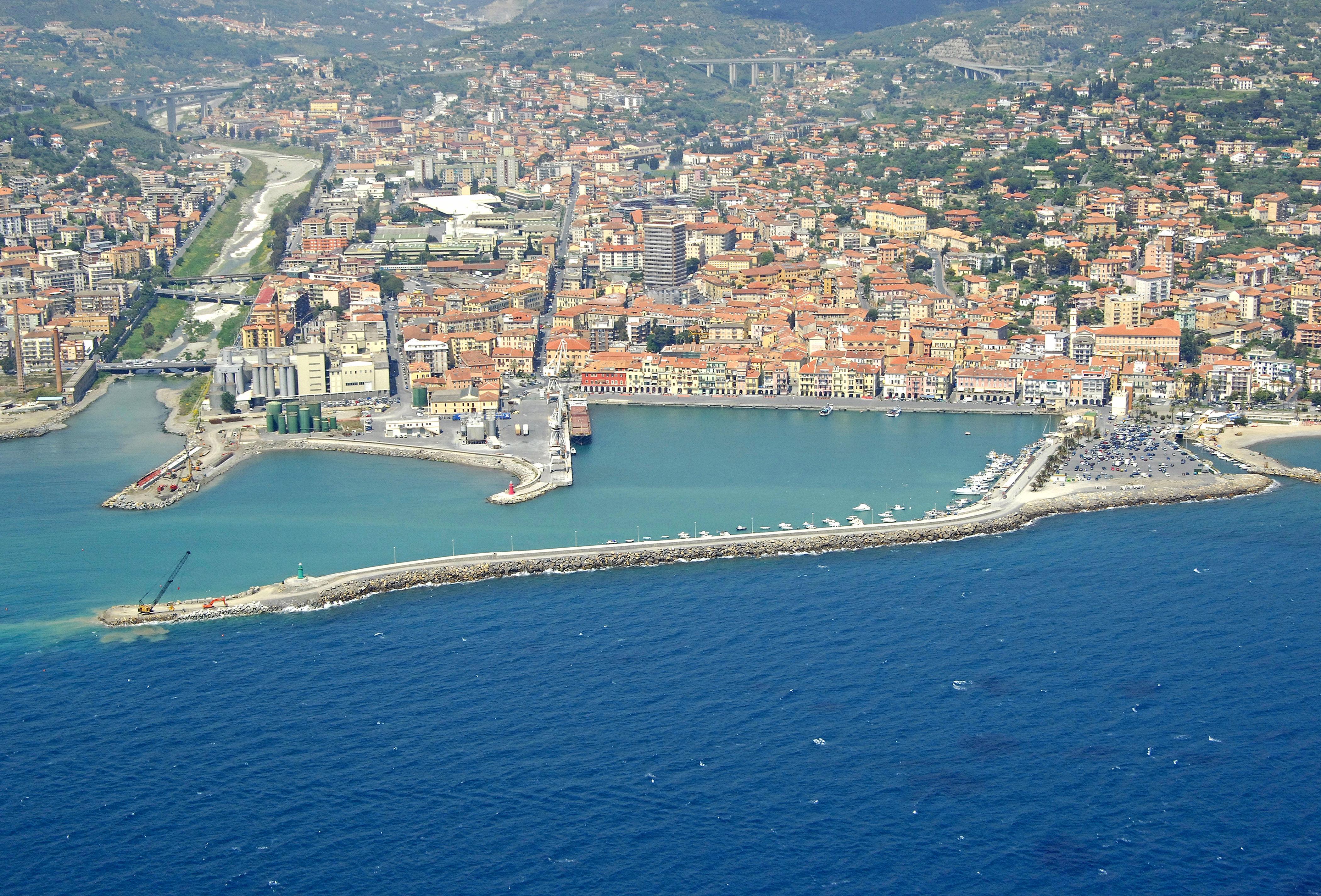 Oneglia marina in imperia liguria italy marina reviews for Oneglia imperia