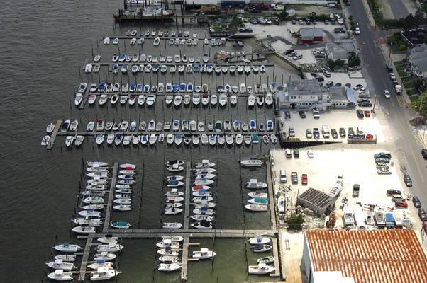 Smith's Marina