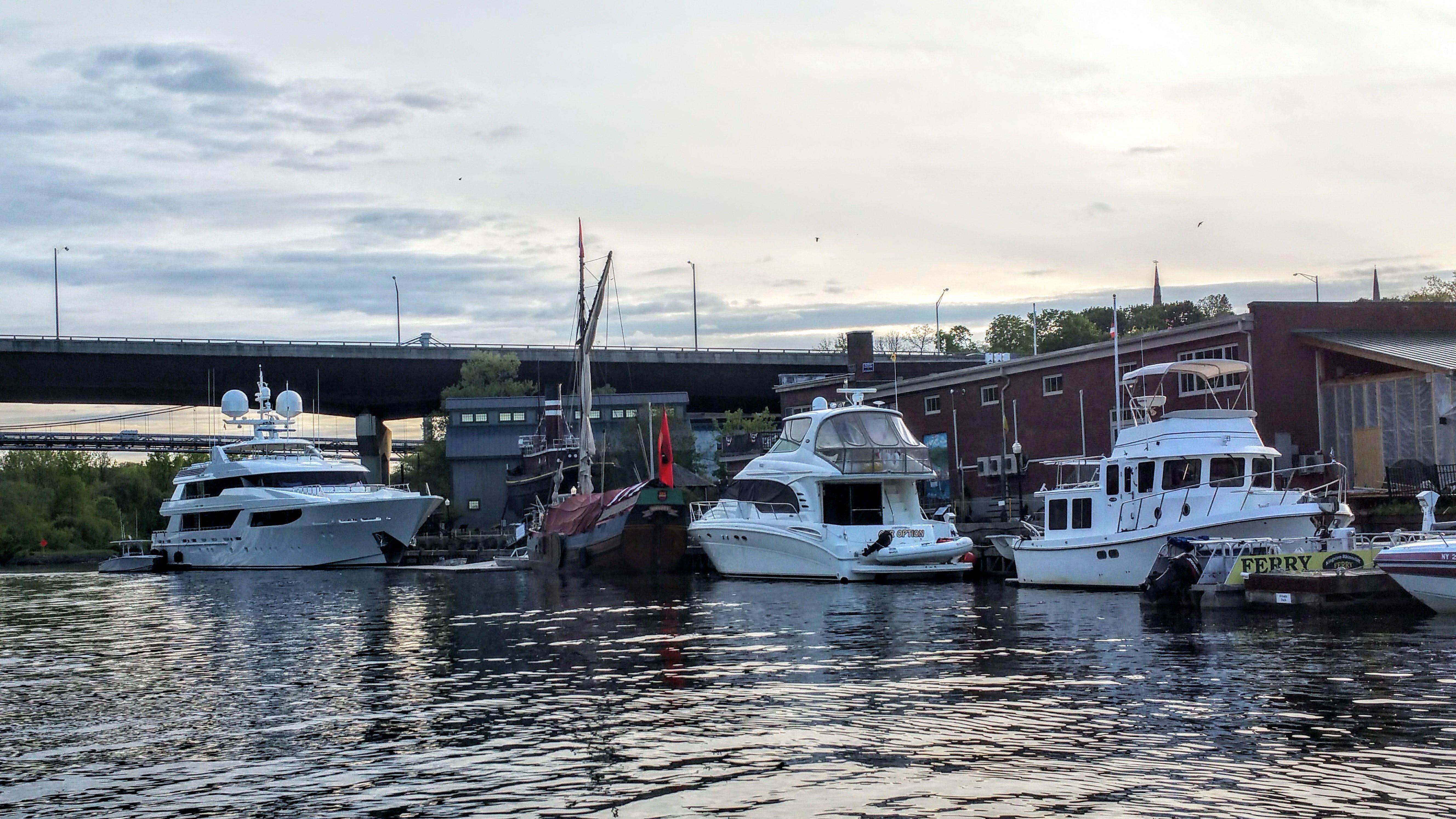 ... Hudson River Maritime Museum ...