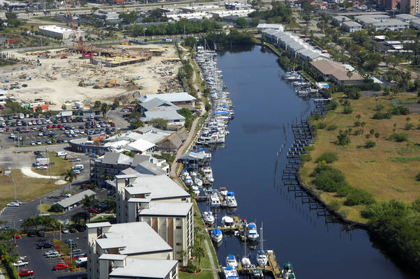Marinatown Yacht Harbour