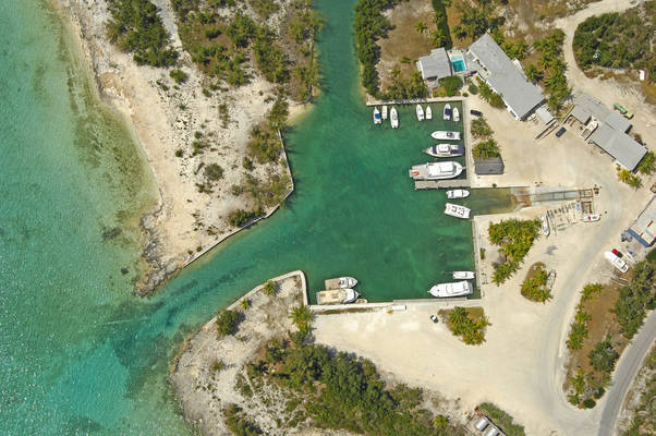 Stella Maris Resort Club & Marina