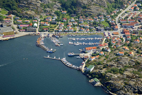 Ellos Yacht Harbour