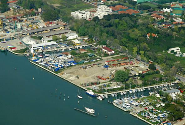 Dock Marina Alberoni