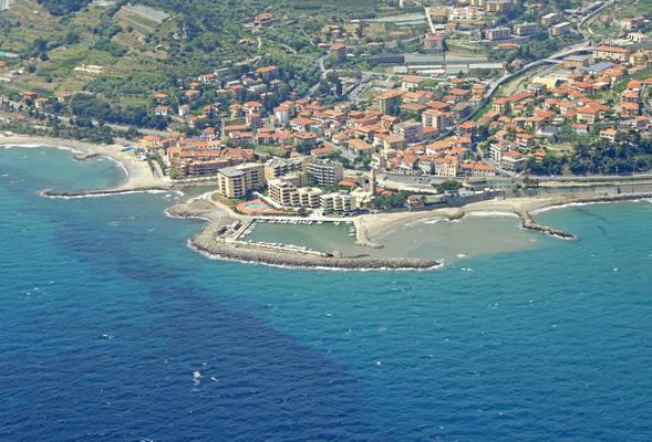 San Lorenzo Al Mare South Marina