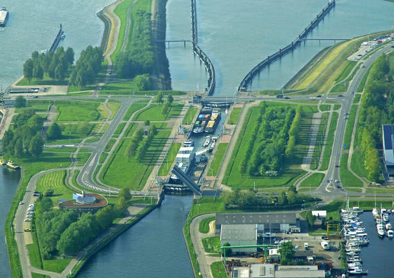 Terneuzen East Lock