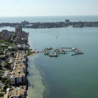 Isla Del-Sol Yacht Club Marina