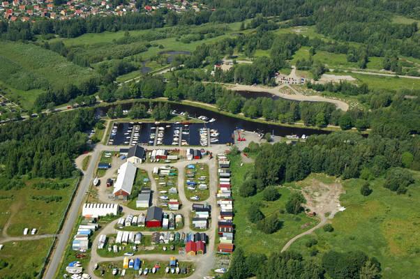 Oerebro Smaabaatshamn Marina