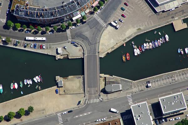 Notre Dame Quai Bridge