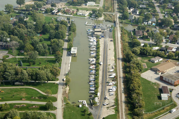 Puce River Harbour Marina