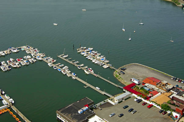 Sea Shore Waterfront Restaurant & Marina